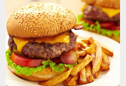 hamburger synthétique avec ketchup